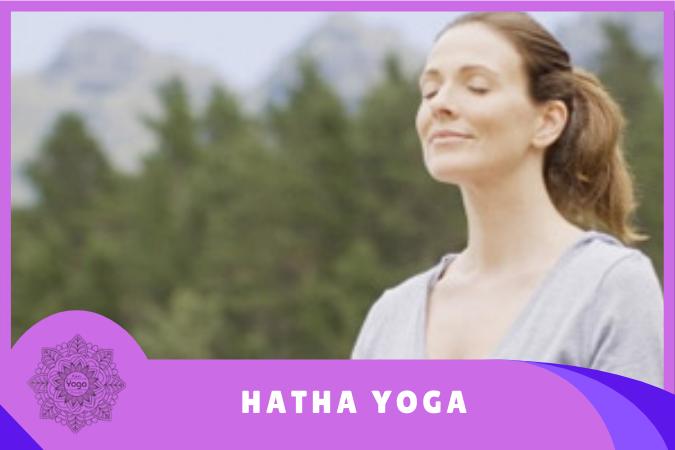 mujer practicando Hatha Yoga y pranayama
