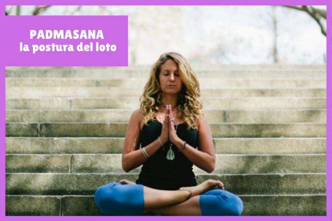 yogui practicando PADMASANA o la postura del loto
